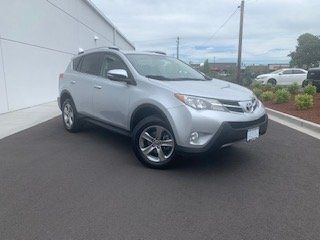 Pre-Owned 2015 Toyota RAV4 XLE FWD 4D Sport Utility